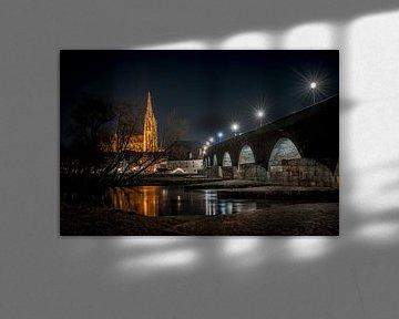 Regensburg Stenen Brug in de avond van Thilo Wagner