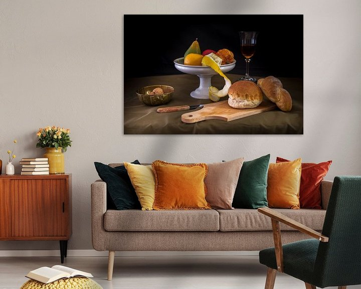 Sfeerimpressie: Modern stilleven brood en fruit van Jille Zuidema