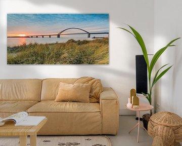 Sonnenuntergang an der Fehmarnsundbrücke von Ursula Reins