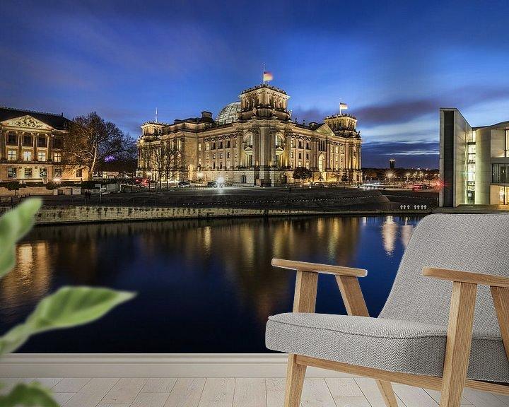 Impression: Le bâtiment du Reichstag à Berlin à l'heure bleue sur Frank Herrmann