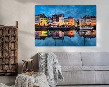 Nyhavn in Kopenhagen van Michael Abid