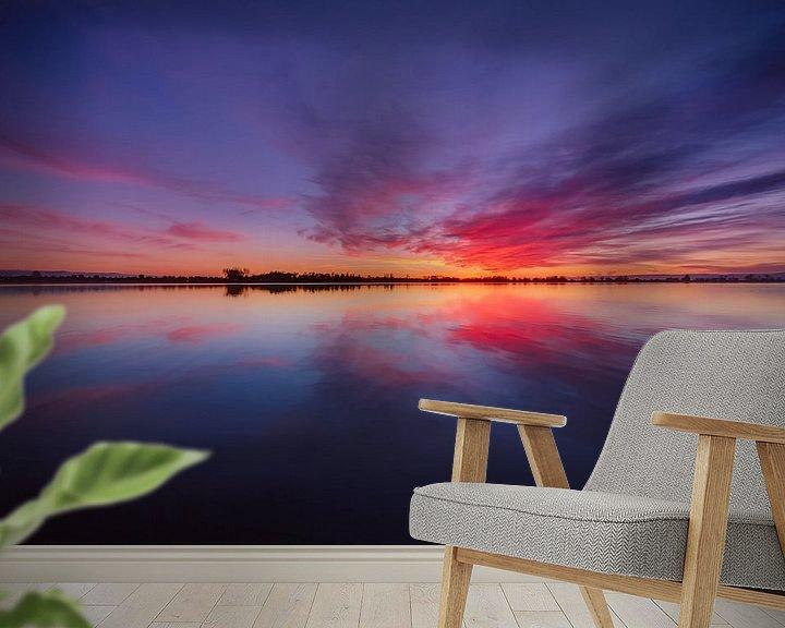 Sfeerimpressie behang: Perfect Sunset van Tom Roeleveld
