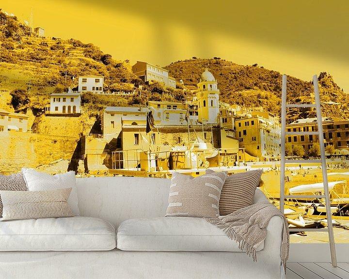 Sfeerimpressie behang: Cinque Terre Italie Goud van Hendrik-Jan Kornelis