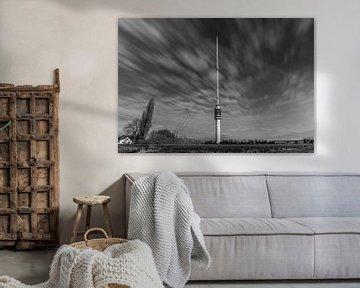 Zwart wit Gerbrandytoren of zendmast in IJsselstein