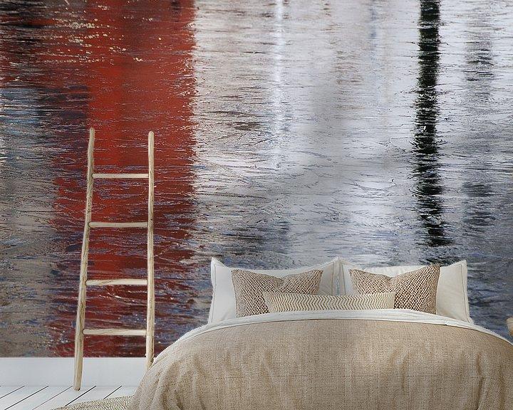 Sfeerimpressie behang: Abstract in rood wit van Annemie Hiele