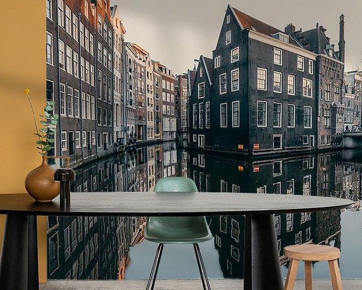 Sfeerimpressie behang: Amsterdam reflection van Roy Mandersloot