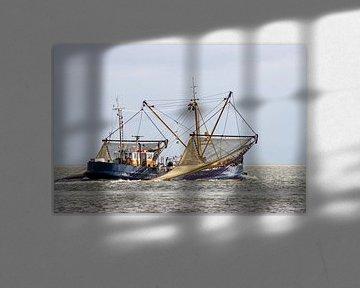 Vissersboor met de netten omhoog van Marco Leeggangers