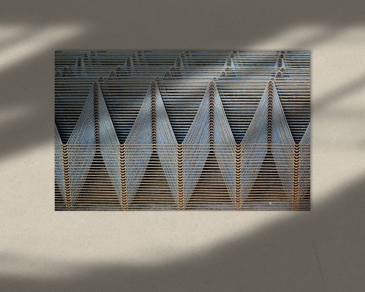 Sfeerimpressie: Abstract patroon in draadstaal van Annemie Hiele