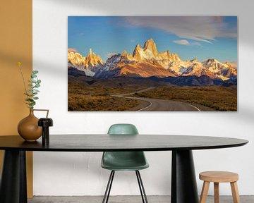 Zonsopgang op de weg naar Fitz Roy, Patagonië van Dieter Meyrl