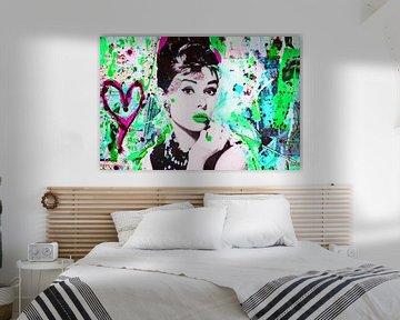 Audrey Hepburn - Liebe von Kathleen Artist Fine Art