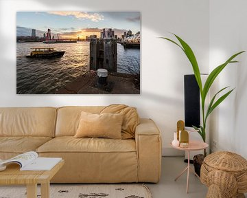 Willemsbrug met watertaxi van Prachtig Rotterdam