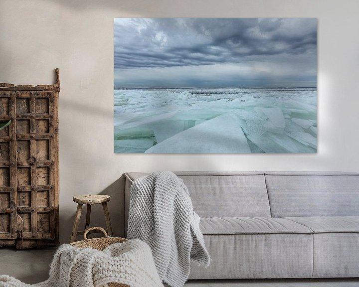 Sfeerimpressie: Kruiend ijs onder mooie wolken lucht van Karla Leeftink
