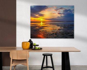 Sonnenuntergang im Wattenmeer an der Nordsee von Animaflora PicsStock