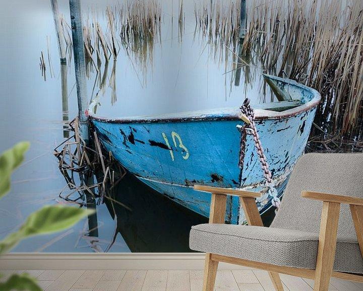 Sfeerimpressie behang: De blauwe boot van Max ter Burg Fotografie