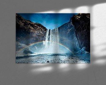 IJzige Skogafoss-waterval in IJsland tijdens de winter van Sascha Kilmer