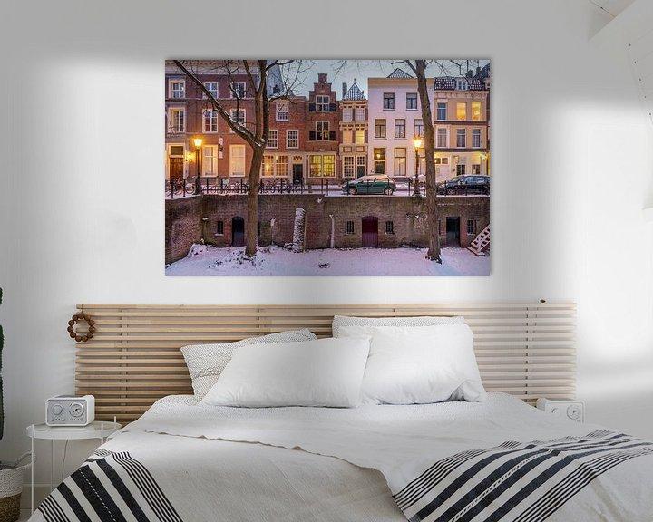 Sfeerimpressie: Winterse avondsfeer langs de Nieuwgracht, Utrecht van André Russcher