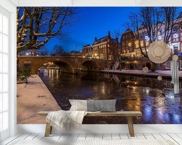Sfeerimpressie behang: Bevroren Oudegracht in Utrecht. van André Russcher