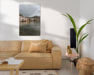 Blick auf die Stadt und das Wasser von Cefalu, Sizilien Italien von Manon Visser