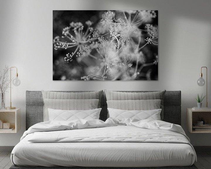 Sfeerimpressie: Close up van dille in zwart wit - fotoprint van Manja Herrebrugh - Outdoor by Manja