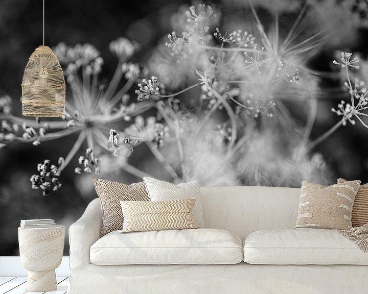 Sfeerimpressie behang: Close up van dille in zwart wit - fotoprint van Manja Herrebrugh - Outdoor by Manja