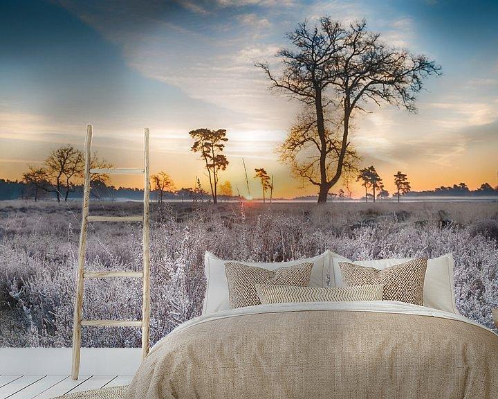 Sfeerimpressie behang: Bevroren heide van Mark Bolijn