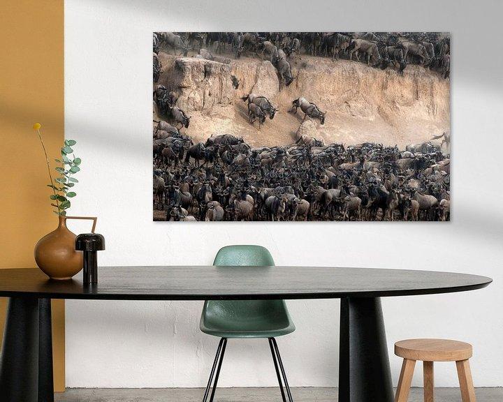Impression: Des gnous traversent la rivière Mara pendant la migration. sur Louis en Astrid Drent Fotografie