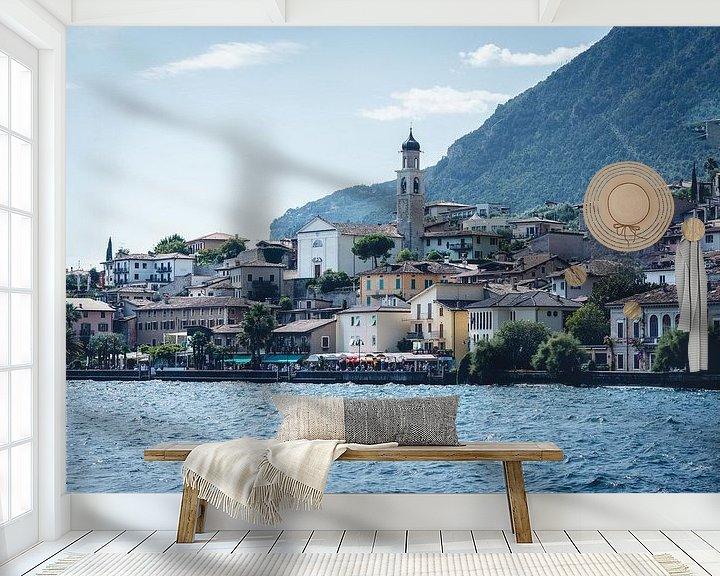 Sfeerimpressie behang: Limone Sul Garda aan het gardameer in Italië van Felix Van Lantschoot