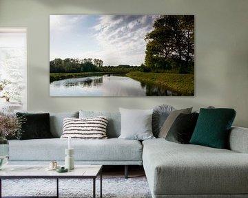 De Dommel met een mooie reflectie van de wolken in het water van Lieke van Grinsven van Aarle