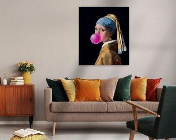 Mädchen mit dem Perlenohrring Kaugummi von Maarten Knops