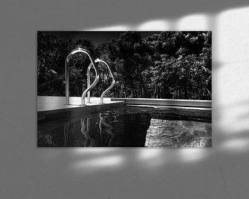 Schwimmbad (schwarz und weiß)