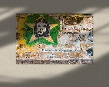 Graffiti revolutie Cuba 1 van Corrine Ponsen