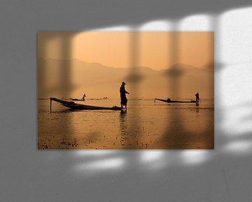 Vissers op Inle Lake in Myanmar van Carolien van den Brink