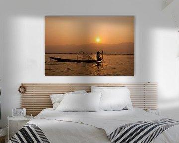 Sonnenaufgang am Inle-See in Myanmar von Carolien van den Brink