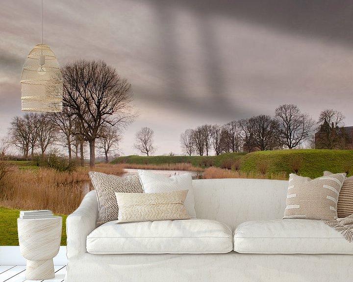 Sfeerimpressie behang: Het landschap van Slot Loevestein van Sean Vos
