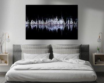 Nachtelijk riet   Abstract natuurbeeld van Henriëtte Mosselman