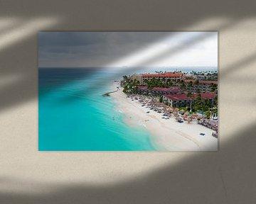 Luchtfoto van Manchebo strand op Aruba in de Caribbische Zee van Nisangha Masselink