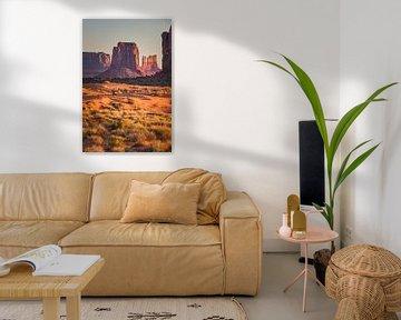 Zonsopkomst in Monument Valley van Henk Meijer Photography