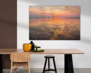 Zomer zonsondergang op het Noordzeestrand bij Bloemendaal van Sjoerd van der Wal
