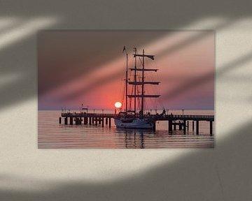 Sonnenaufgang an der Seebrücke Binz von Stephan Schulz