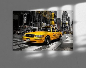 Yellow Cab on Times Square sur Hannes Cmarits