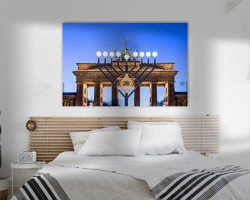 Brandenburger Tor und Chanukkaleuchter