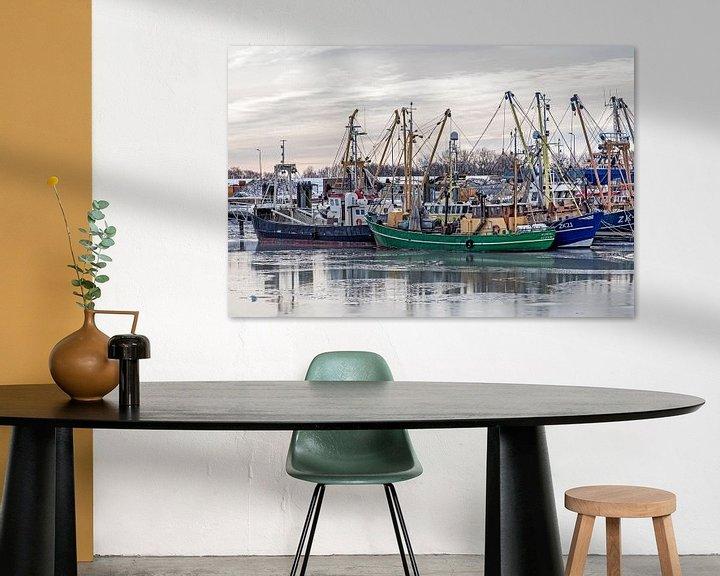 Sfeerimpressie: Vissersboten in Lauwersoog van Hanneke Luit