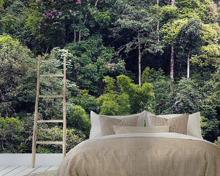 Sfeerimpressie behang: Bloeiende boom van Johan Zwarthoed