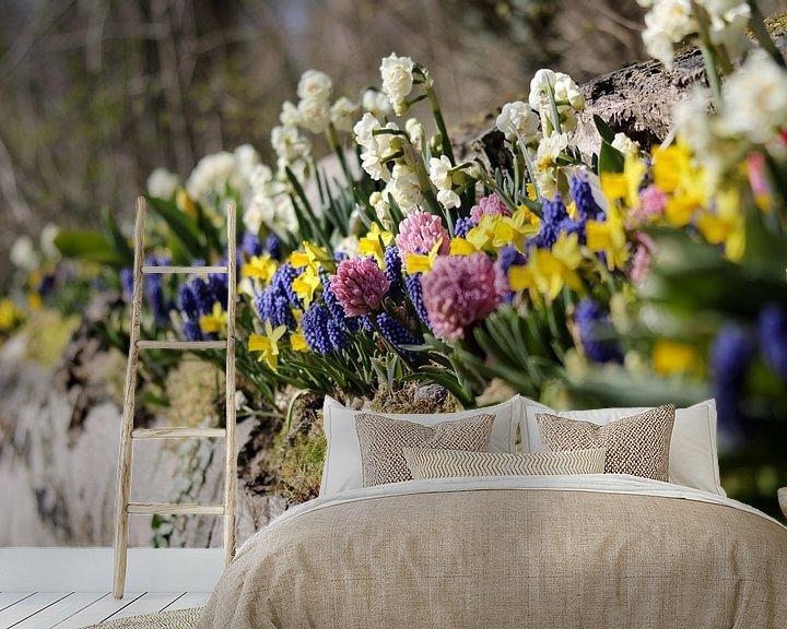 Sfeerimpressie behang: Bloemenperk in de lente van Niels van den Berg