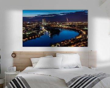 avondfoto van de skyline van Basel van JWB Fotografie