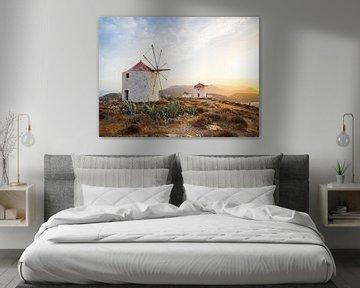 Zonsondergang bij de windmolens van Hora, Amorgos-eiland. Cycladen, Griekenland van Teun Janssen