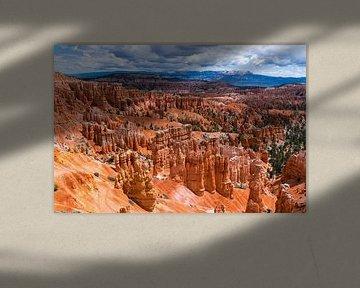 De Hoodoos van Bryce Canyon Nationaal Park in Amerika van Linda Schouw