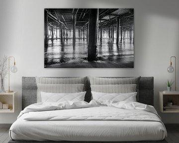 Schöne Linien, die von den Pfeilern des Santa Monica Pier gebildet werden von Retinas Fotografie