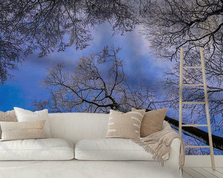 Sfeerimpressie behang: blauwe hemel van Anna Heisig