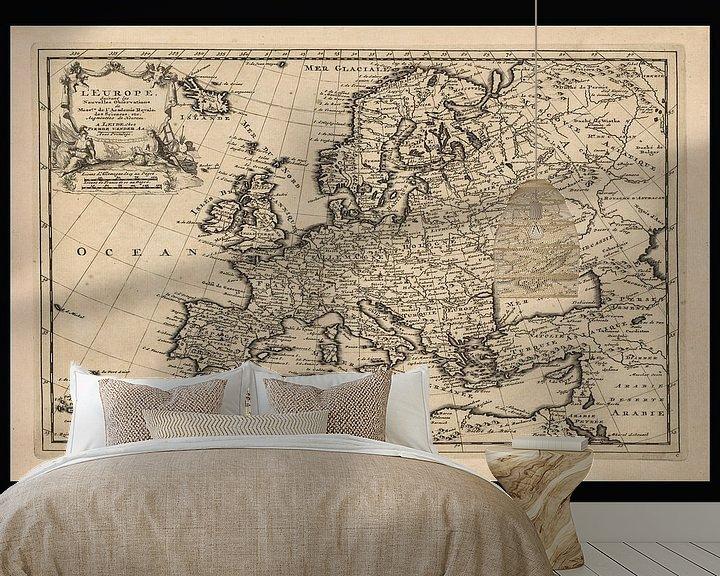 Sfeerimpressie behang: Oude kaart van Europa van omstreeks 1725 van Gert Hilbink